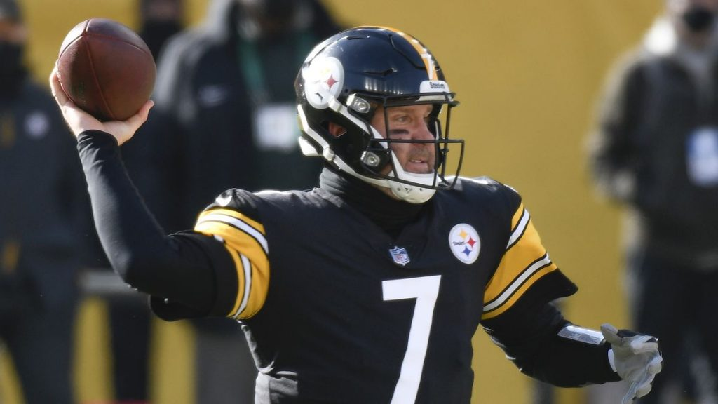 Tracking the latest NFL quarterback moves: Ben Roethlisberger restructures his contract and will return to the Pittsburgh Steelers for an 18th season